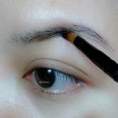 2 apply some brow wax