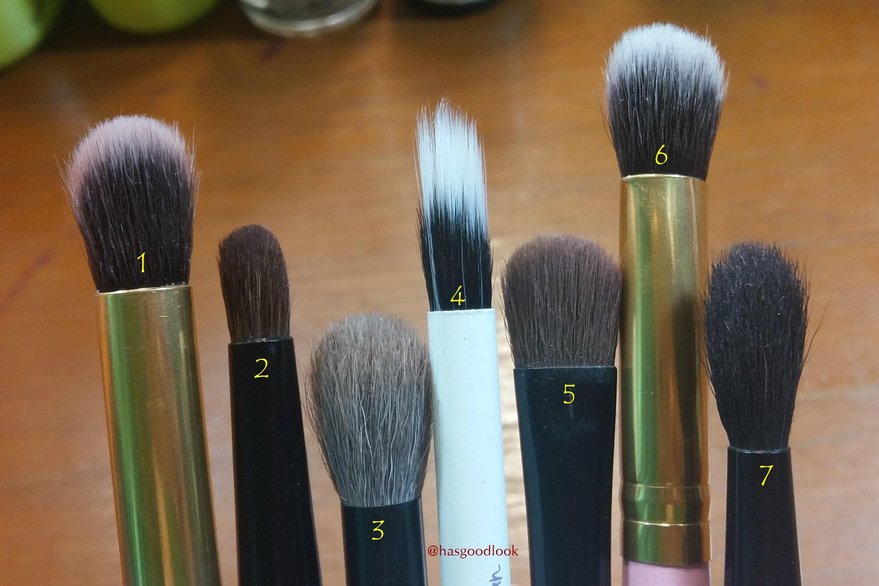 Angled Brush Hasgoodlook Kuas Lembut Make Up Yang Pertama Adalah Fluffy Oke Ladies Mungkin Tidak Bisa Melihat Secara Jelas Karena Kualitas Dan Posisi Dalam Foto Jelek